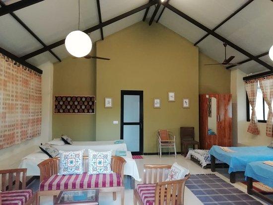 Gulmohar Homestay: Lounge
