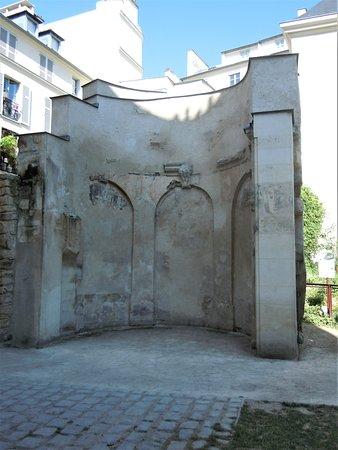 Jardin des Rosiers - Joseph-Migneret: A l'entrée du jardin côté rue des rosiers