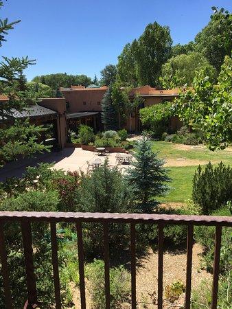 El Monte Sagrado: Main patio / reception