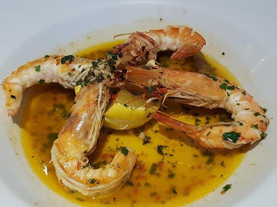 Casalingo: prawns in a lovely sauce