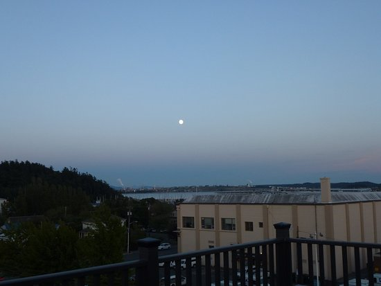 Majestic Inn and Spa: A view from the room deck facing south east