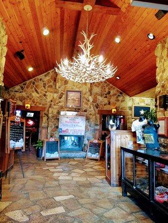 Love & War In Texas: Entrance lobby.