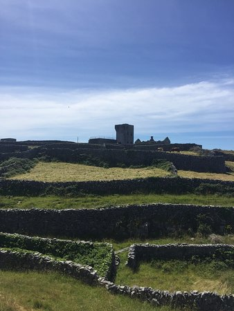 Inis Oírr Island and Cliffs of Moher Cruise from Doolin: Castle Ruin