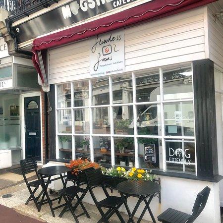 Mugshots Cafe and Deli