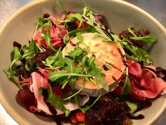 Union Street Brasserie: Goats Cheese Salad