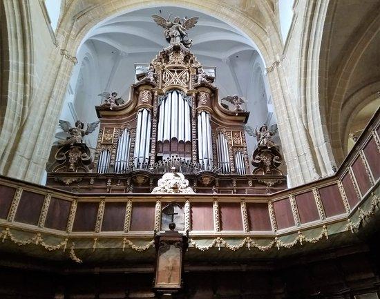 Iglesia Parroquial Matriz De Santa Maria La Mayor La Coronada: El coro