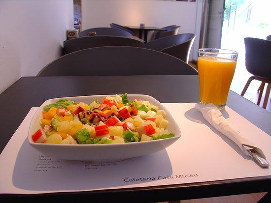 Cafetaria Da Casa Museu Guerra Junqueiro: Salada Tropical