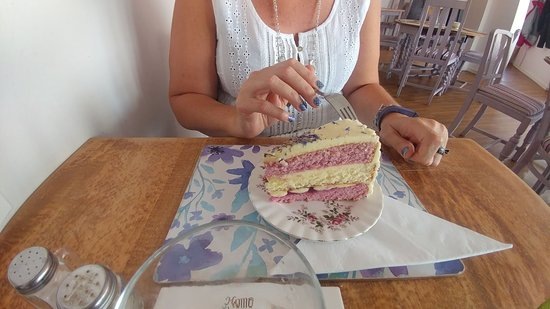 Eardington, UK: let them eat cake!!