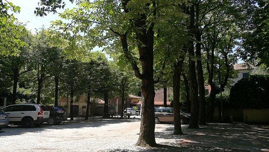 Antica Trattoria Al Bosco: parcheggio