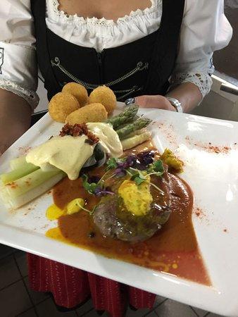 Willi's Restaurant: mit Liebe gekocht und serviert