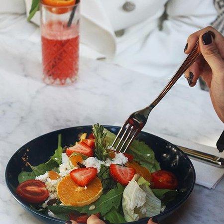 Fiyonk Bakery & Cafe: Tahıllı Salata