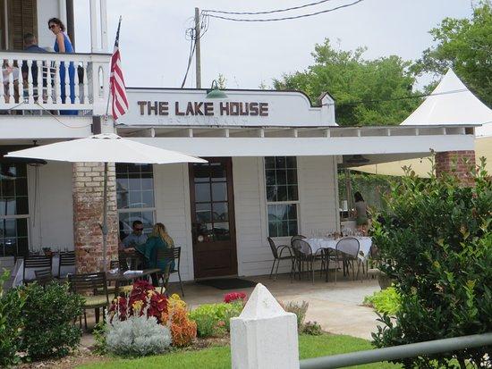 The Lakehouse: Side entrance