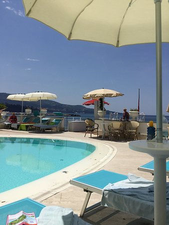 Mar Hotel Alimuri: The hotel pool