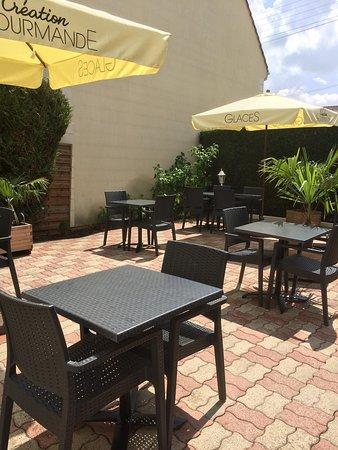 Le Beausejour: terrasse intérieur du restaurant