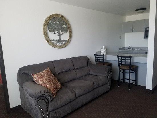 Jorgenson's Inn & Suites: King Suite 302 Sitting area/food prep area