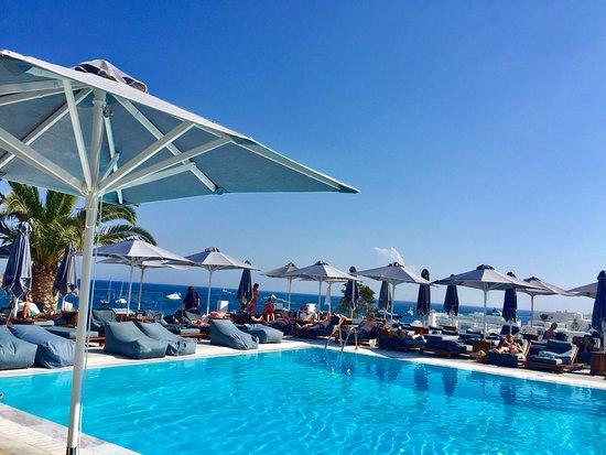 Myconian Ambassador Relais & Chateaux Hotel: piscina hotel