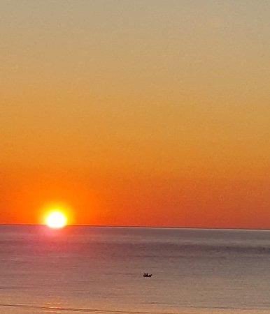 Παραλία Χορευτού: A sunrise at Chorefto beach!