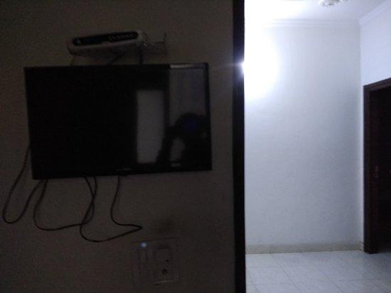 Sharma Guest House: tv