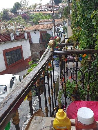 Restaurante Hosteria Bar El Adobe: Vista desde mesa de un balcon