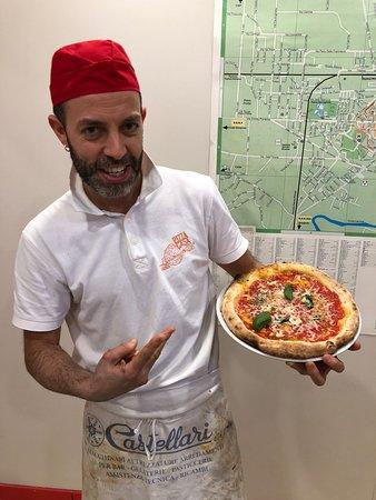 Pizza Casa (2) del BORGO: Gae il titolare del punto vendita PizzaCasa del BORGO