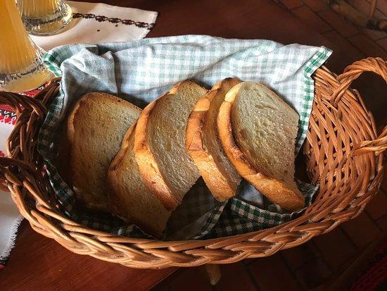 Kemences Csarda: grzanki w zestawie z foir gras
