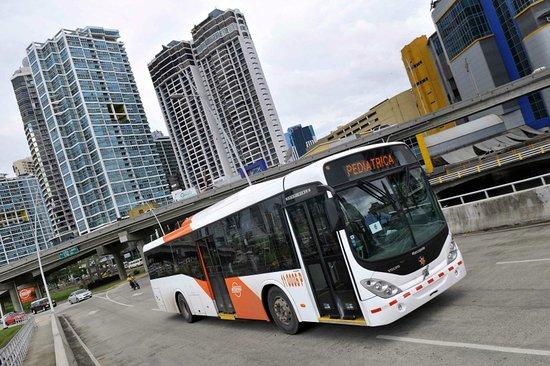 Hotel Caribe: Transporte Publico Cercano (metrobus).