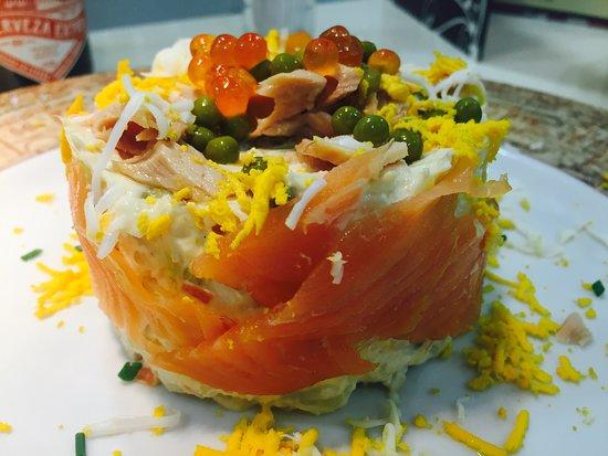 Restaurante Graciano: Ensaladilla rusa con ventresca y caviar de de salmon