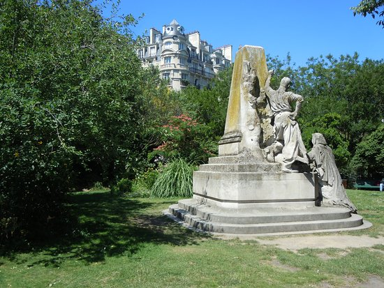 Monument a Ludovic Trarieux