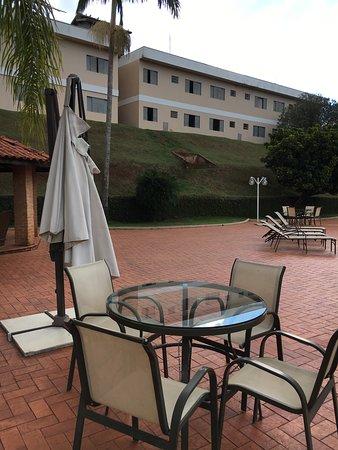 Bekassin Botucatu Hotel: PISCINA ABANDONADA