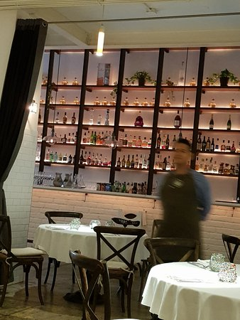 Tintoque: ambiance near bar area