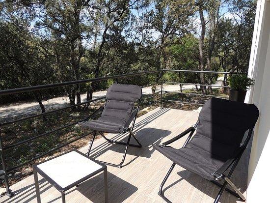 """La Villa Kalliste: Terrasse chambre """"La Garrigue"""" côté soleil couchant"""
