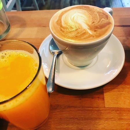 Westbury Cafe: latte and freshly squeezed orange juice