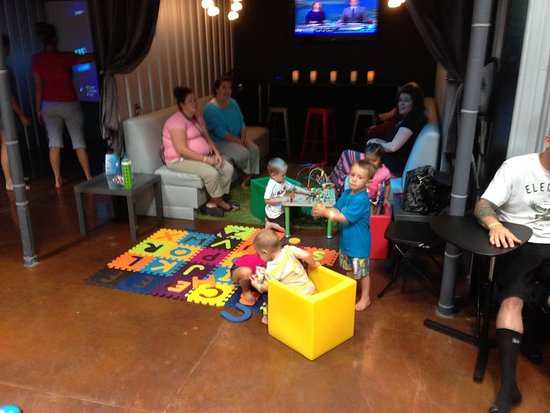 Uptown Jungle Fun Park: Our toddler indoor playground area great for you little ones. - Peoria