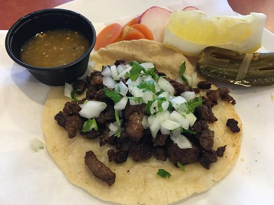 Hughson, كاليفورنيا: Carne Asada Taco on Handmade Tortilla
