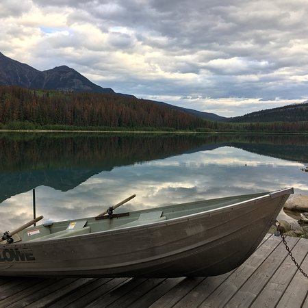 Patricia Lake Bungalows Resort: To say it's breathtaking would be an understatement. A totally airy experience.