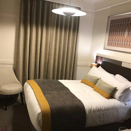 Beautiful hotel w/great staff