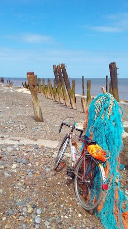 Spurn Point: Beachcombing by bike at Spurn