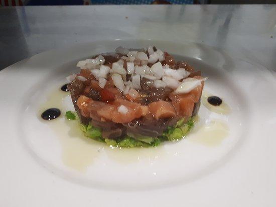 Restaurante Cantarelus: Tartar de atún y salmón