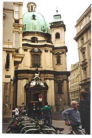 Peterskirche: El exterior