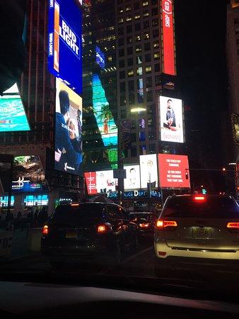 Таймс-сквер: foto feita a noite, simplismente sensacional