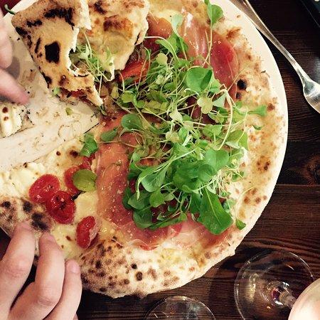 Bilde fra Goodfellas Wood Oven Pizza