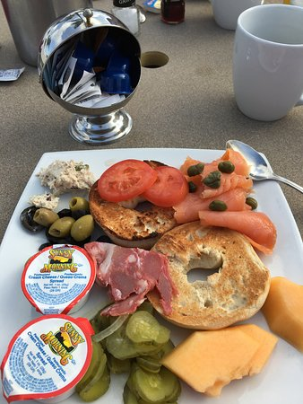 Mangos Restaurant: A small sample of the breakfast buffet!