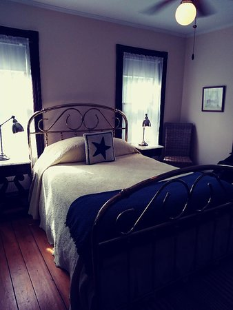 Inn at the Oaks: The Captain's Room