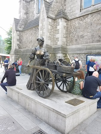 Dublin Free Walking Tour: Molly Malone