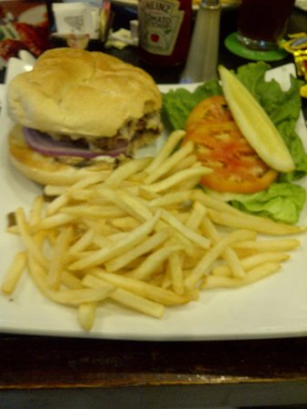 East Windsor, NJ: Burger and Fries