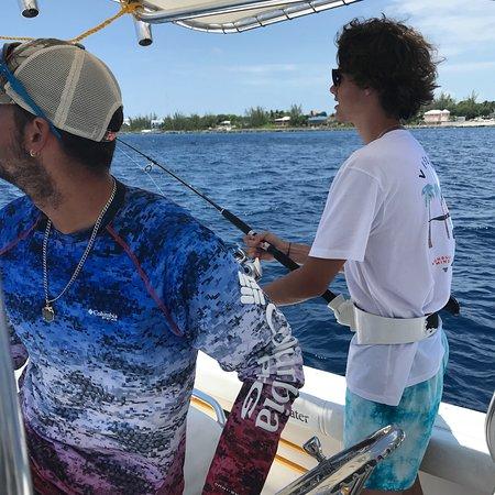 プライベート釣りとシュノーケリングアイランドアドベンチャー Image