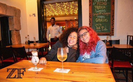 Zona Franca Bistro: nuestras dos mejores clientes disfrutando