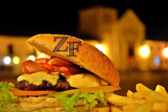 Zona Franca Bistro: super hamburguesas