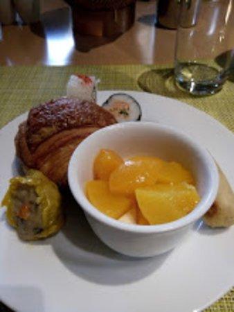 DoubleTree by Hilton Hotel Jakarta - Diponegoro: menu sarapan