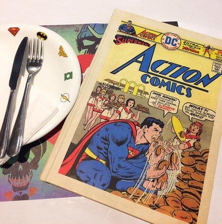 DC Comics Super Heroes Cafe: Menu